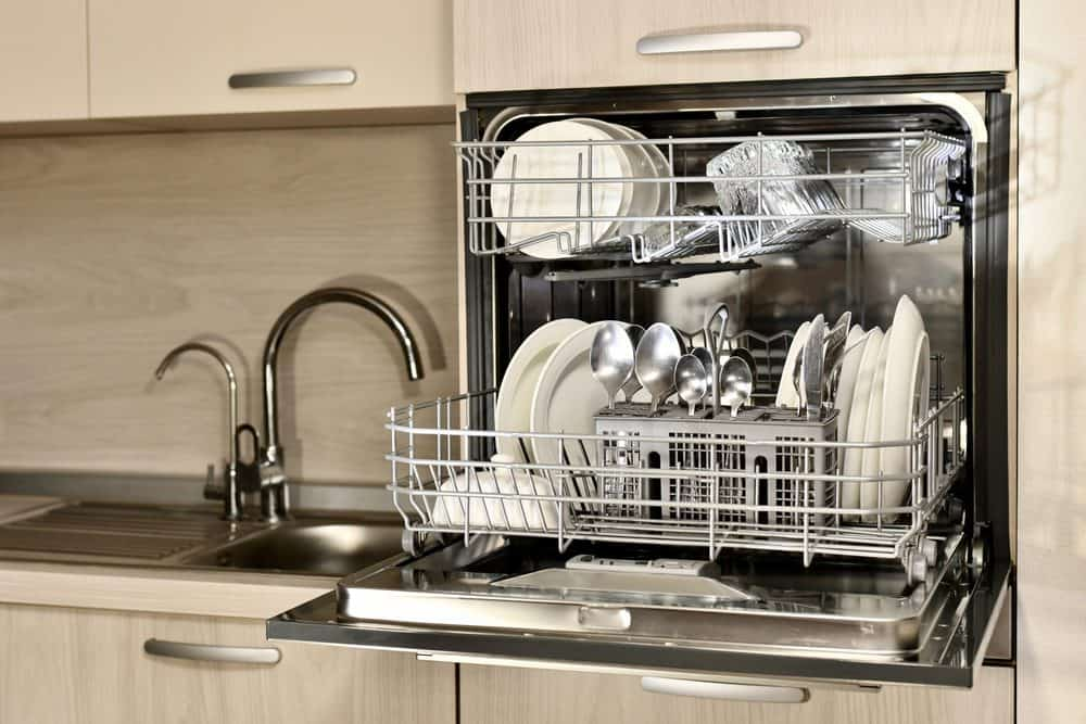Best Countertop Dishwashers 2 scaled 1