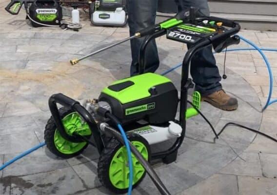 Greenworks 2700 PSI 800x563 1