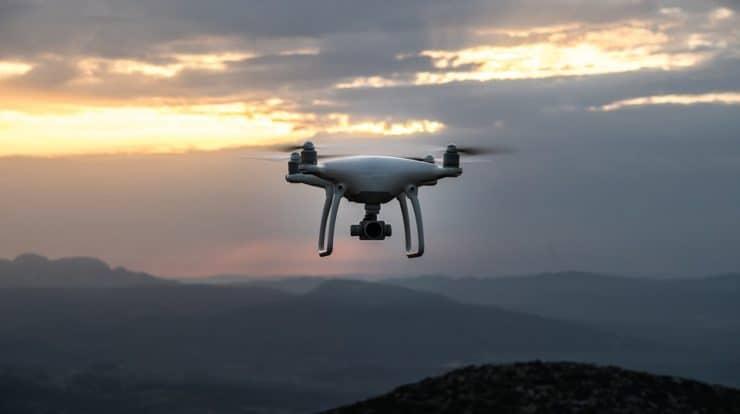 best quiet drones for hunting 740x414 1