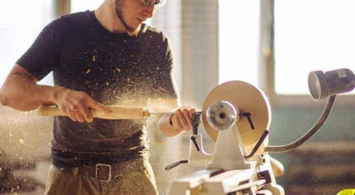 Best Wood Lathe For Turning Bowls