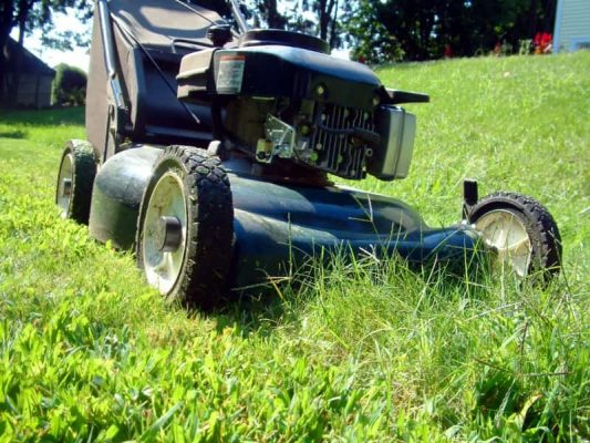 How Do Lawn Mowers Work